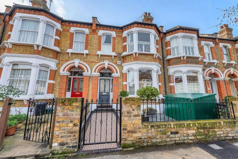 5 Bedrooms Terraced House for sale in Addison Road, Wanstead
