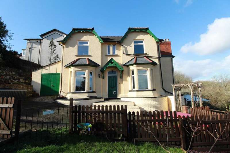 5 Bedrooms Detached House for sale in Barrack Hill, Newport, NP20