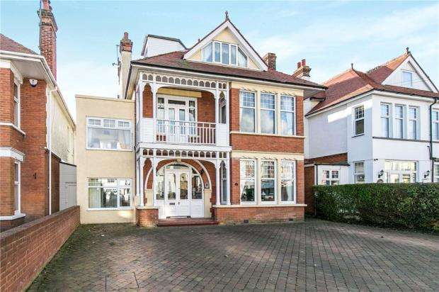8 Bedrooms Detached House for sale in St. Vincent Road, Clacton-on-Sea, Essex