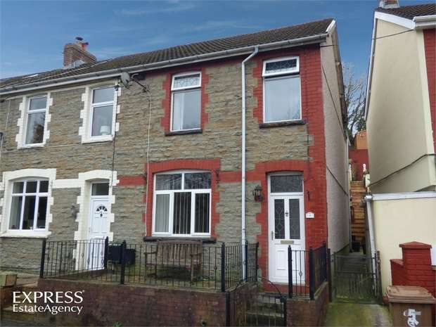 3 Bedrooms End Of Terrace House for sale in Kennard Terrace, Crumlin, Newport, Caerphilly