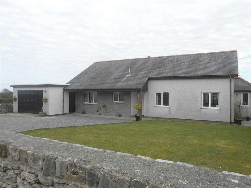 3 Bedrooms Detached Bungalow for sale in Brynteg, Anglesey, LL78