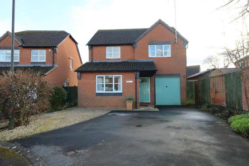 4 Bedrooms Detached House for sale in Blenheim Drive, Newent