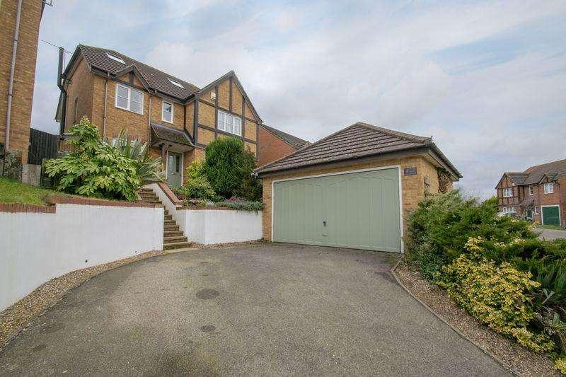 5 Bedrooms Detached House for sale in Greensand Ridge, Lidlington
