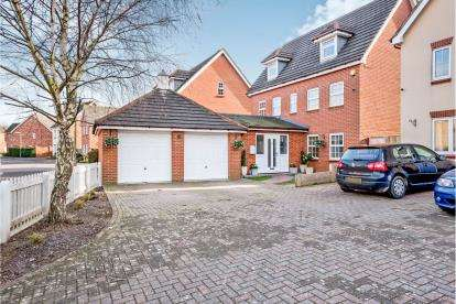 4 Bedrooms Detached House for sale in Priddys Hard, Gosport, Hampshire