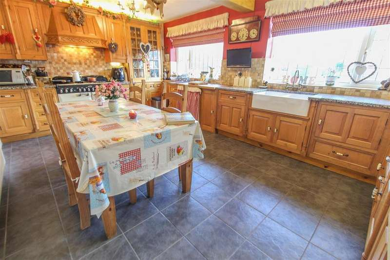 4 Bedrooms Semi Detached House for sale in Holbrooks,Coventry