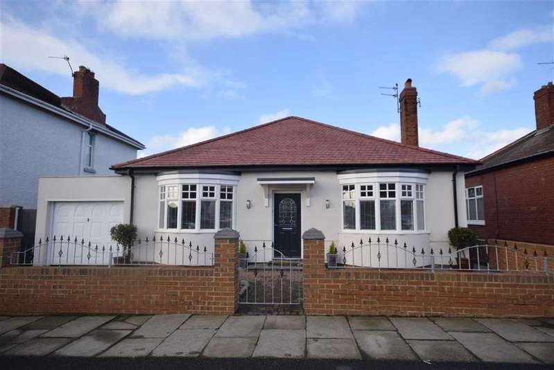 3 Bedrooms Detached Bungalow for sale in St Peters Avenue, South Shields