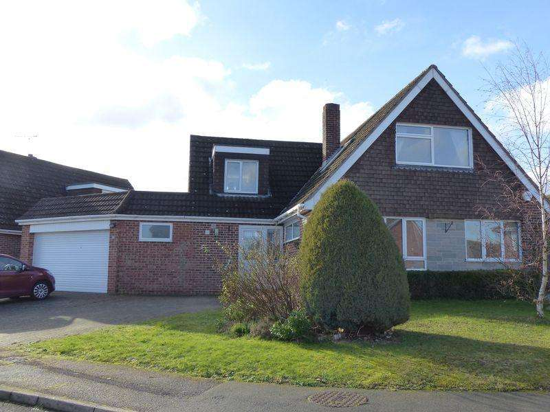3 Bedrooms Detached House for sale in Maidenhead - Burcot Gardens