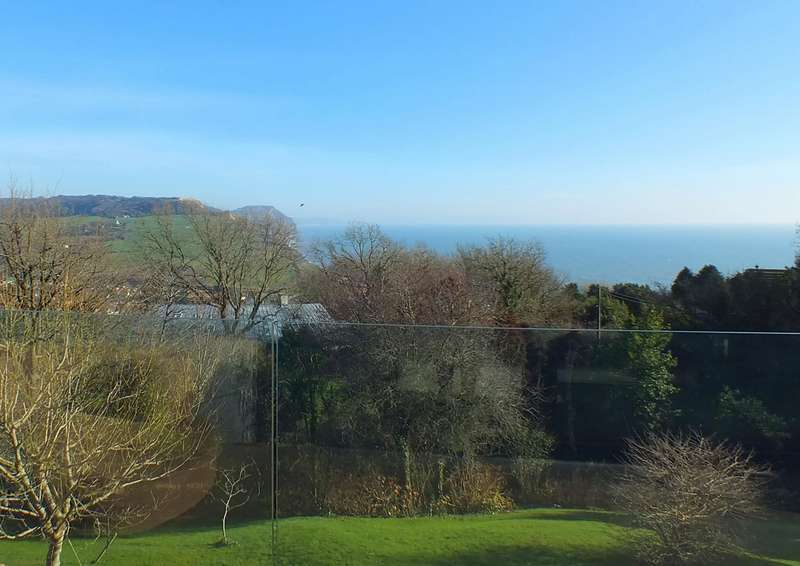 5 Bedrooms Detached House for sale in Kanpai Westcliff Road, Charmouth