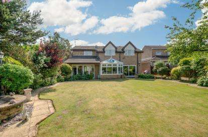 6 Bedrooms Detached House for sale in Putnoe Lane, Bedford, Bedfordshire