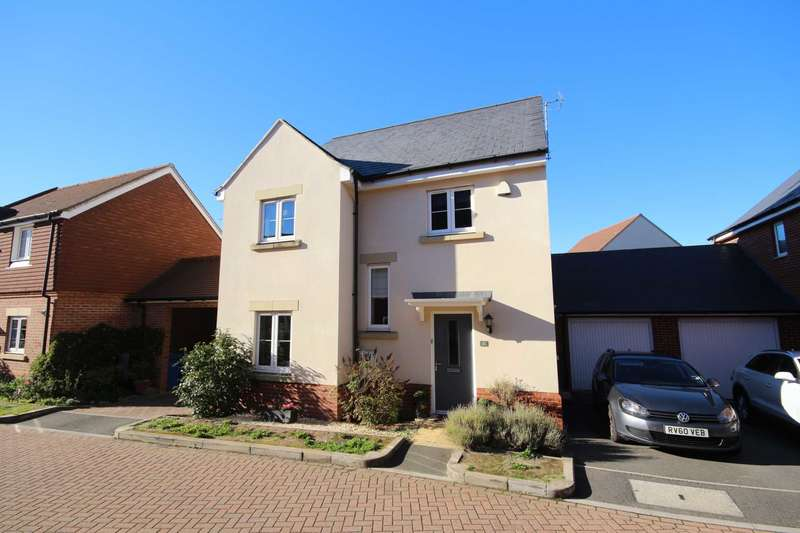 4 Bedrooms Detached House for sale in The Robins, Jennett`s Park