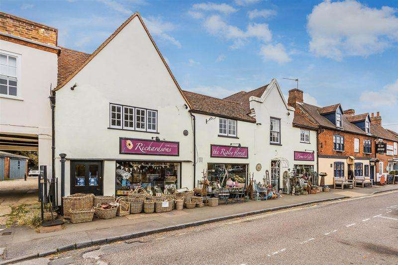 4 Bedrooms House for sale in High Street, Ripley, Surrey