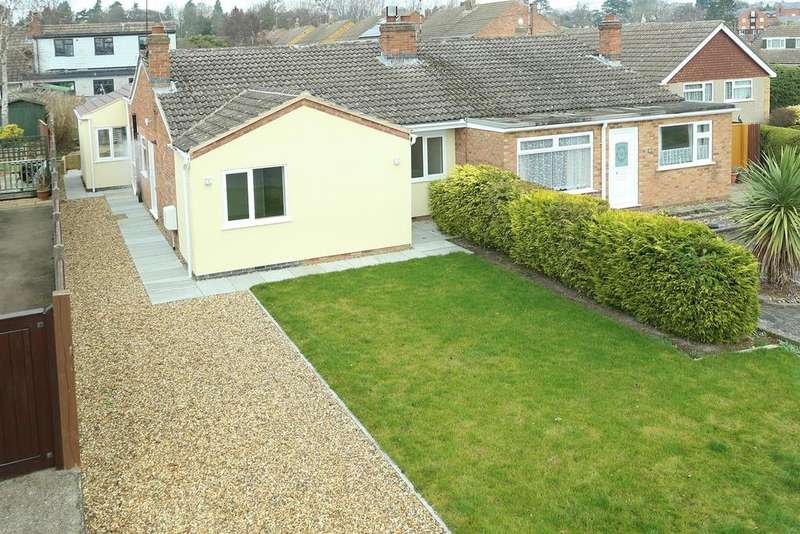 3 Bedrooms Semi Detached Bungalow for sale in Northleigh Grove, Market Harborough