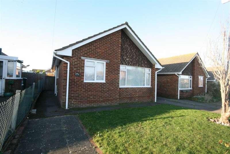 3 Bedrooms Detached Bungalow for sale in Sutton Avenue North, Peacehaven
