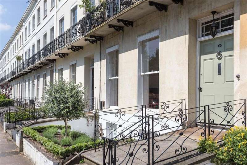 2 Bedrooms Penthouse Flat for sale in Montpellier Spa Road, Cheltenham, Gloucestershire, GL50