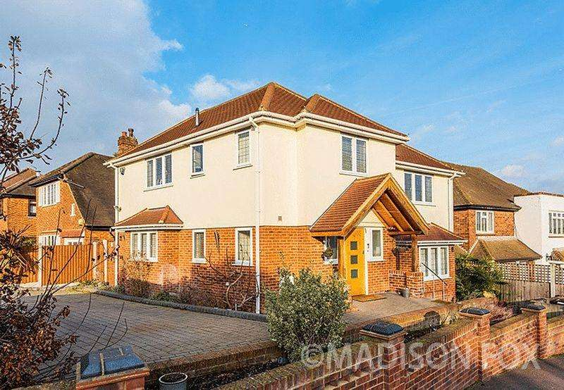 3 Bedrooms Detached House for sale in Mount Pleasant Road, Chigwell, IG7