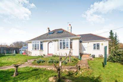 3 Bedrooms Bungalow for sale in Exeter, Devon, .