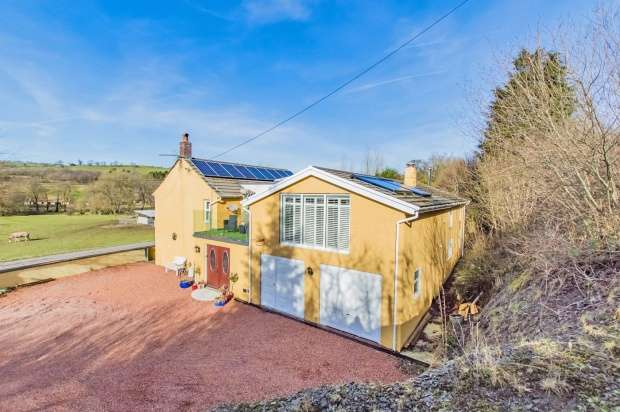 5 Bedrooms Detached House for sale in Cygynhordy, Llandovery, Dyfed, SA20 0LH