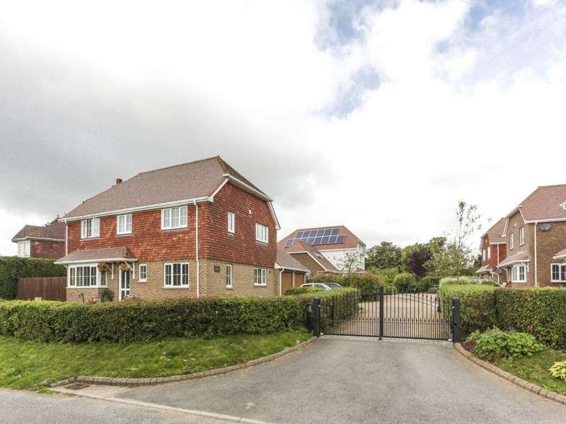 5 Bedrooms Detached House for sale in Angel Heights, Hawkinge, Folkestone, CT18