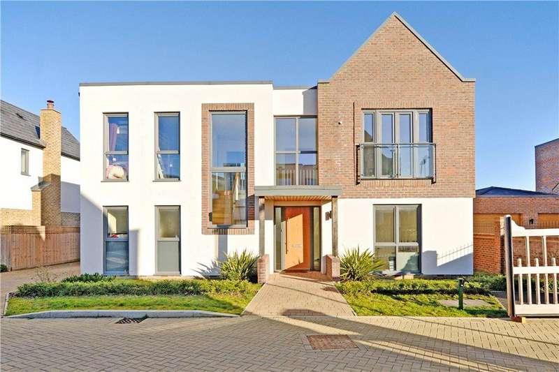 4 Bedrooms Detached House for sale in Ferranti Place, Oakgrove, Milton Keynes, Buckinghamshire
