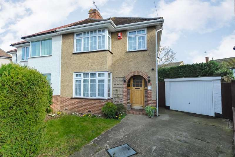 4 Bedrooms Semi Detached House for sale in Windsor