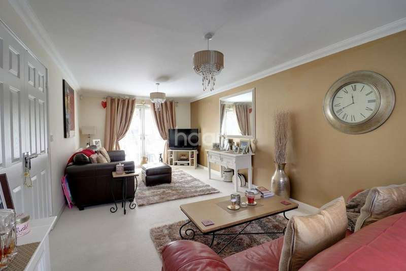 6 Bedrooms Detached House for sale in Ashmead Road, Woodlands Park