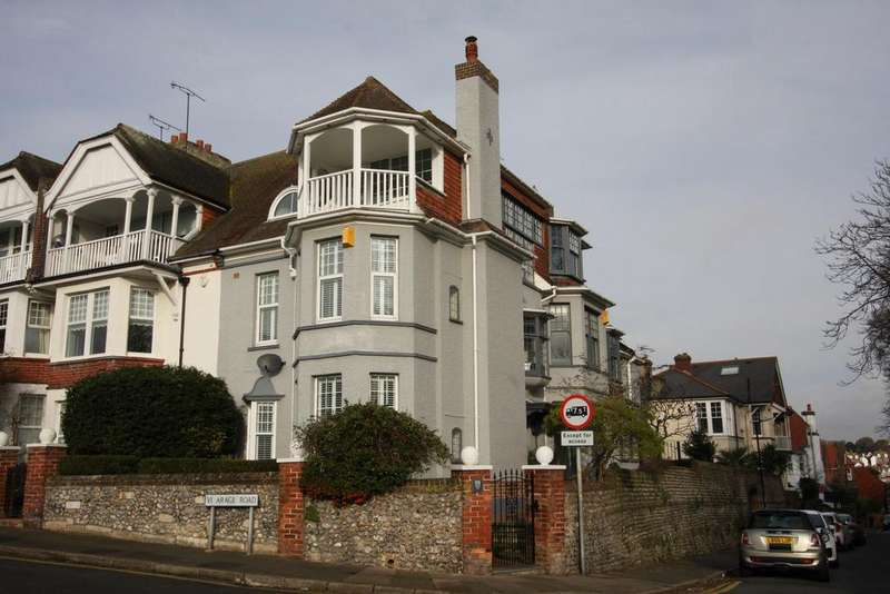 5 Bedrooms End Of Terrace House for sale in Vicarage Road, Eastbourne BN20