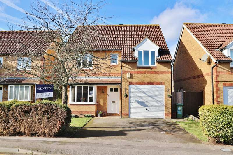 4 Bedrooms Detached House for sale in Byron Drive, Northumberland Heath, DA8 1YD