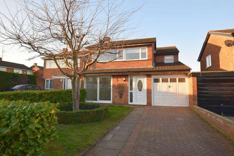 4 Bedrooms Link Detached House for sale in Baccara Grove, Bletchley, Milton Keynes