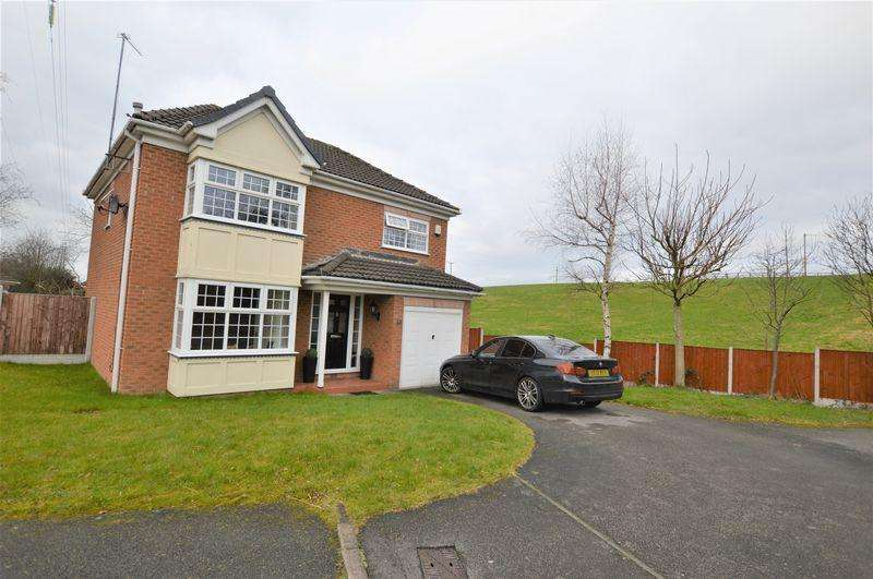 4 Bedrooms Detached House for sale in Holden Clough Drive, Ashton-Under-Lyne