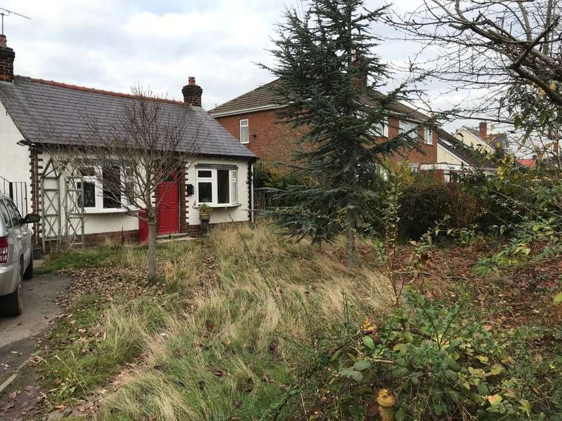 3 Bedrooms Detached Bungalow for sale in 46 Oakfield Road, Blacon, Chester, Cheshire