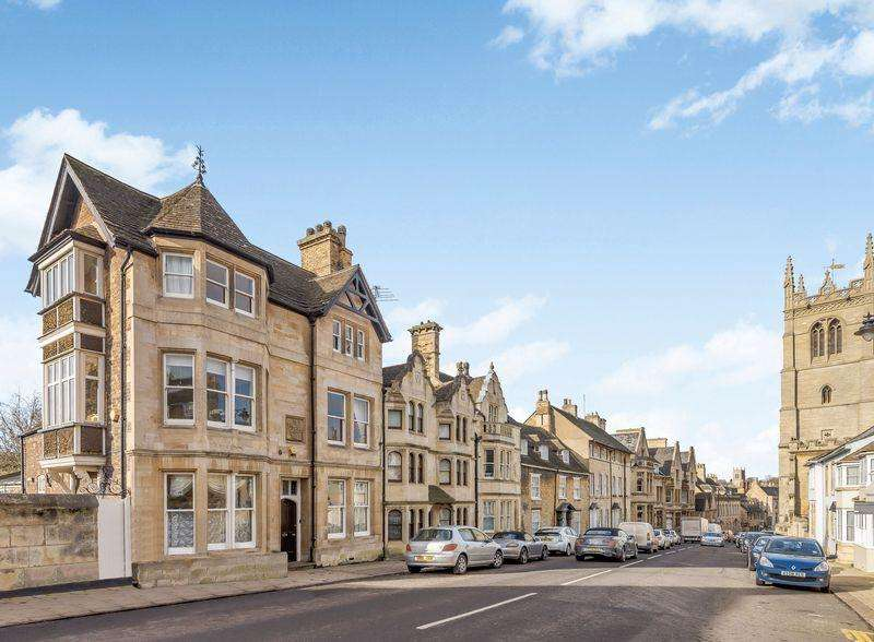 4 Bedrooms Semi Detached House for sale in High Street St Martins, Stamford, Lincolnshire