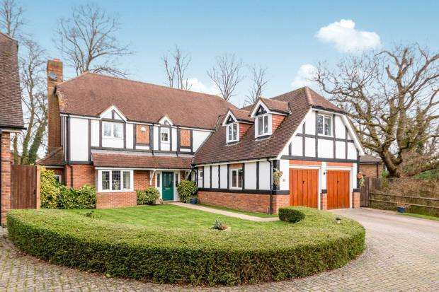 5 Bedrooms Detached House for sale in Basingstoke, ., Hampshire