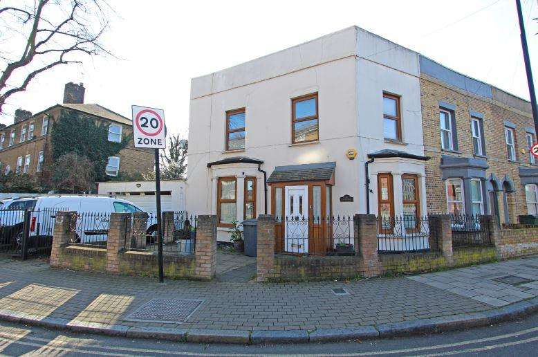 4 Bedrooms Semi Detached House for sale in Lilford Road, Camberwell, SE5