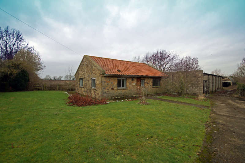 3 Bedrooms Bungalow for sale in Wayside Farm, Faceby Lane, Carlton in Cleveland, TS9 7BJ
