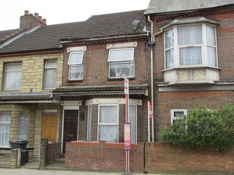 3 Bedrooms Terraced House for sale in Dallow Road, Luton, Bedfordshire, LU1