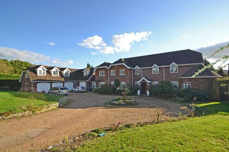 5 Bedrooms Detached House for sale in Fryern Road, Storrington, West Sussex, RH20