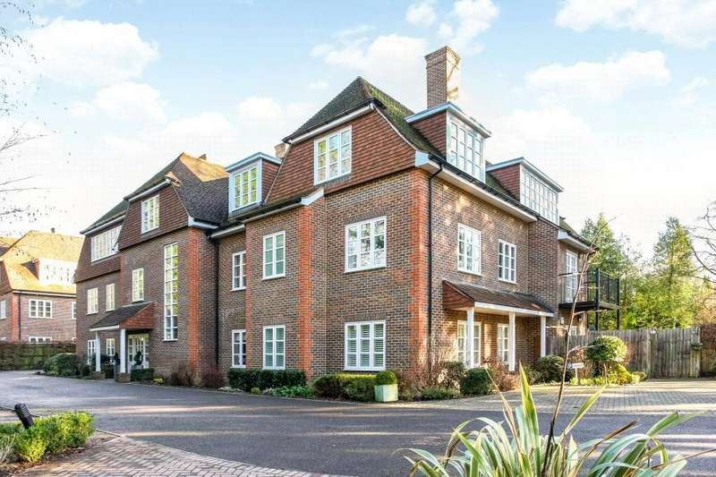 3 Bedrooms Flat for sale in Evergreen, London Road, Sunningdale, Ascot, SL5