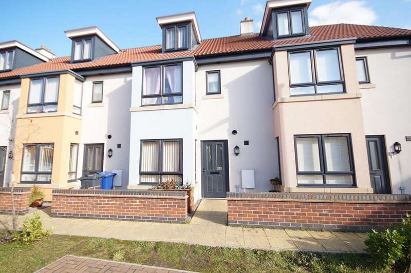 3 Bedrooms Terraced House for sale in Canal Court, Saxilby