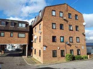 1 Bedroom Flat for sale in Ethel Maud Court, Richmond Road, Gillingham, Kent