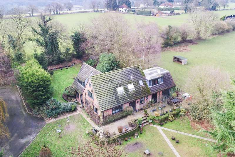 4 Bedrooms Detached House for sale in Loudwater Lane, Loudwater, Rickmansworth