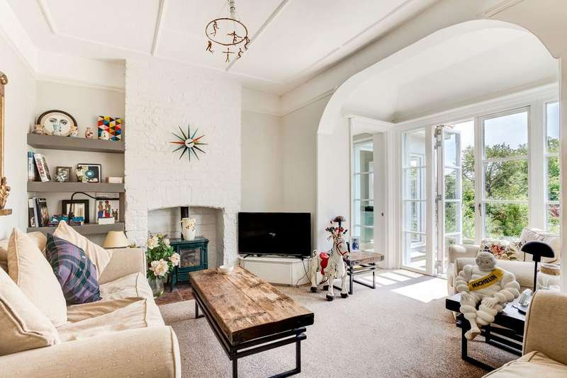 5 Bedrooms Detached House for sale in The Lodge, Croft Road Old Town Hastings