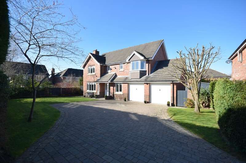 4 Bedrooms Detached House for sale in Betchworth Way, Macclesfield, Cheshire, SK10