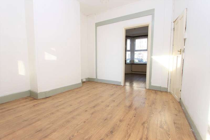 2 Bedrooms House for sale in Town Road, London, N9