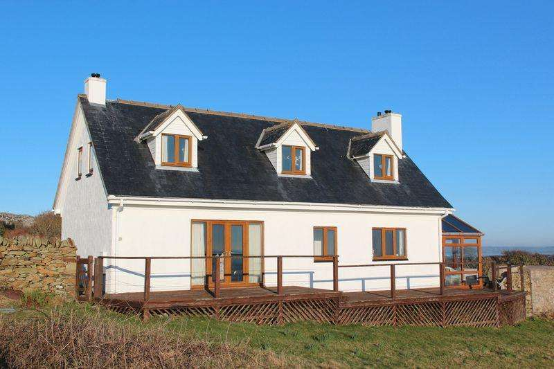 3 Bedrooms Detached House for sale in South Stack, Holyhead