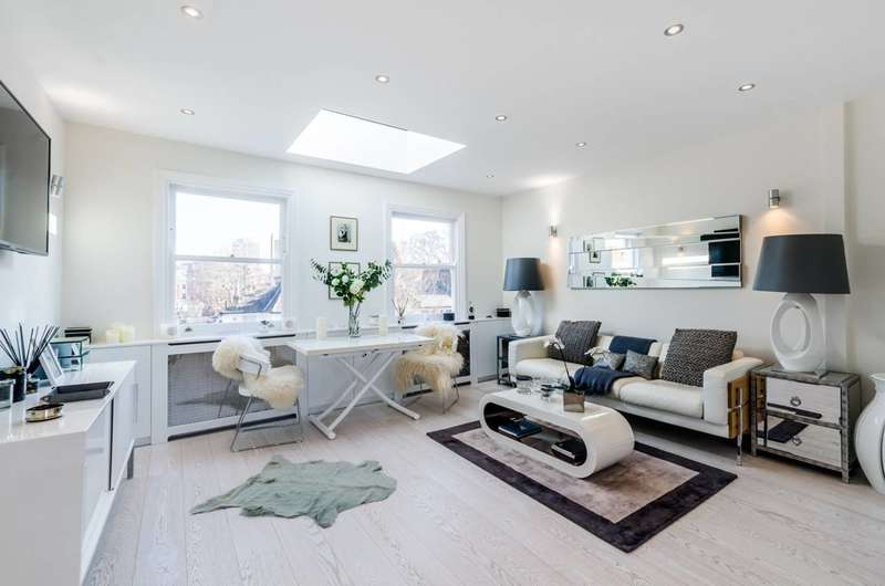 3 Bedrooms Flat for sale in Barclay Road, Fulham, SW6