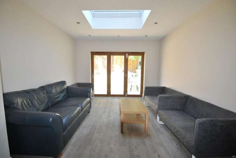 10 Bedrooms House for rent in Filton Avenue, Horfield