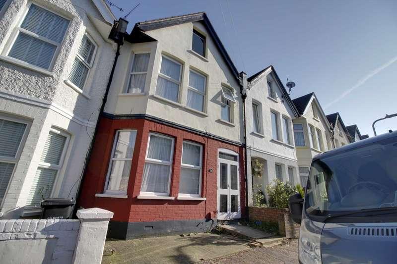 3 Bedrooms Terraced House for sale in Ramuz Drive, Westcliff on Sea