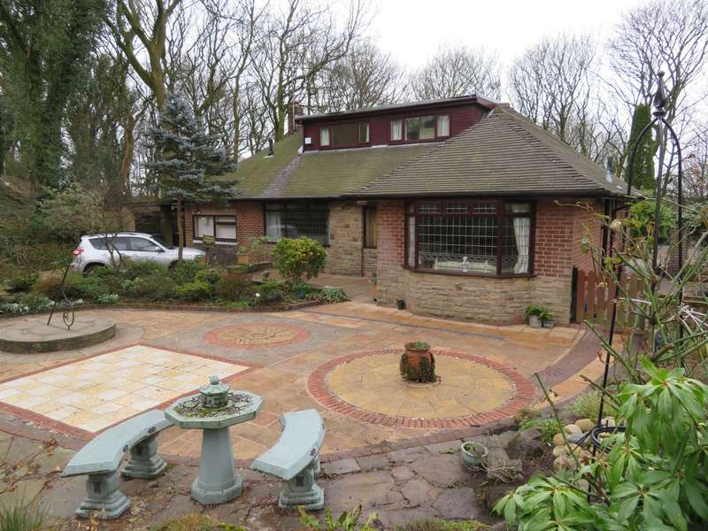 3 Bedrooms Detached House for sale in Buckstones Road, Shaw