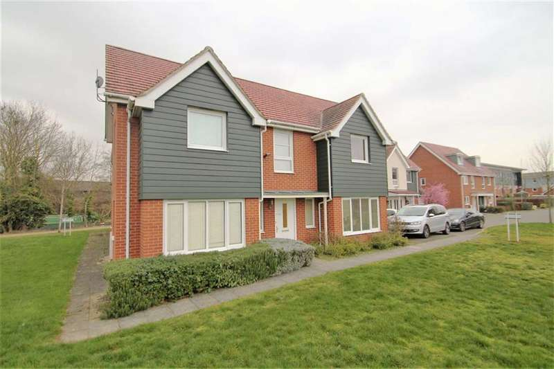 4 Bedrooms Detached House for sale in Wraysbury Drive, West Drayton, Middlesex