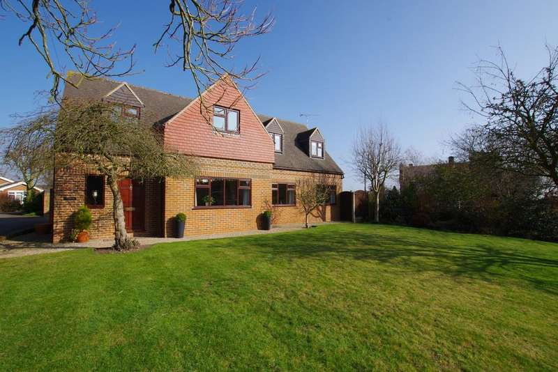 4 Bedrooms Detached House for sale in Cedar Drive, Stramshall, Uttoxeter